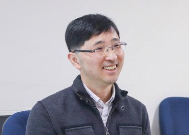 윤정모 교수